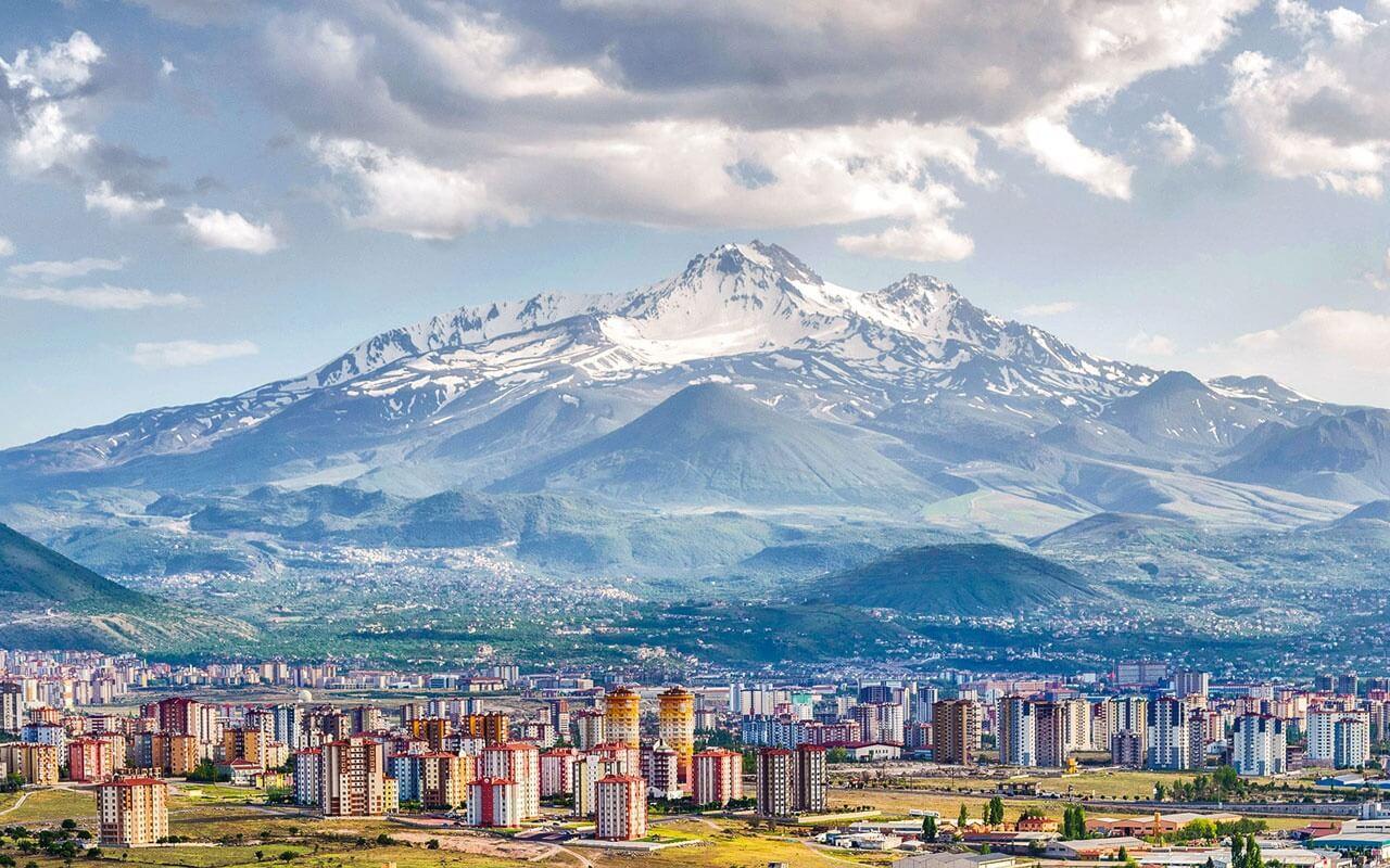 Kayseri'nin Birbirinden Güzel Yılbaşı Programları 2020 En Güzel Erciyes Yılbaşı Otellerinde