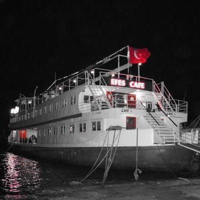 Efes Gemi Restaurant İzmir