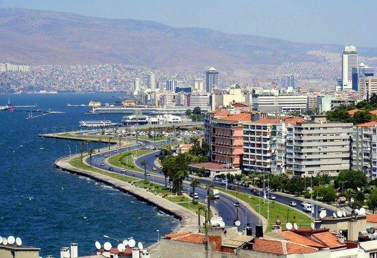 İzmir'de Yılbaşı Eğlencesinin Kalbi Alsancak 2020 Yılbaşı Barlarında Atıyor