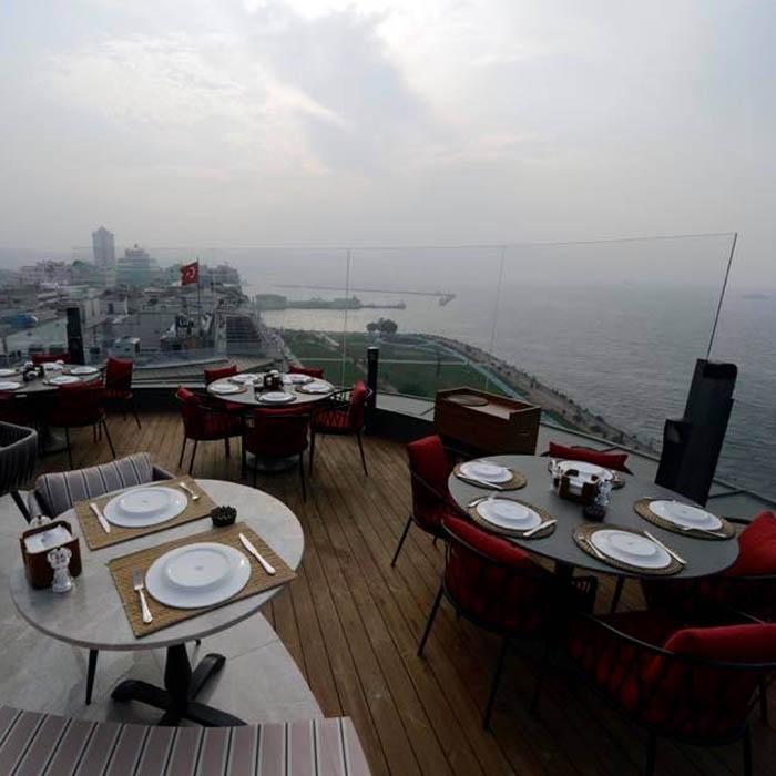 İzmir Ticaret Odası Restoranı Teras 1885