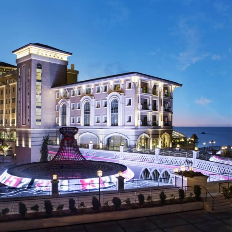 Kıbrıs Merit Royal Premium Hotel