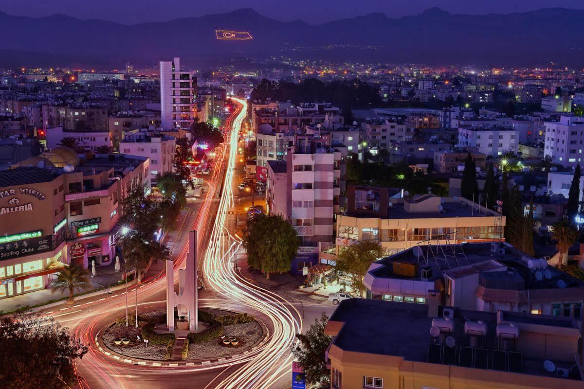 Yavru Vatan Kıbrıs'ın Renkli Gece Hayatının Yüzü Lefkoşa Yılbaşı Barları