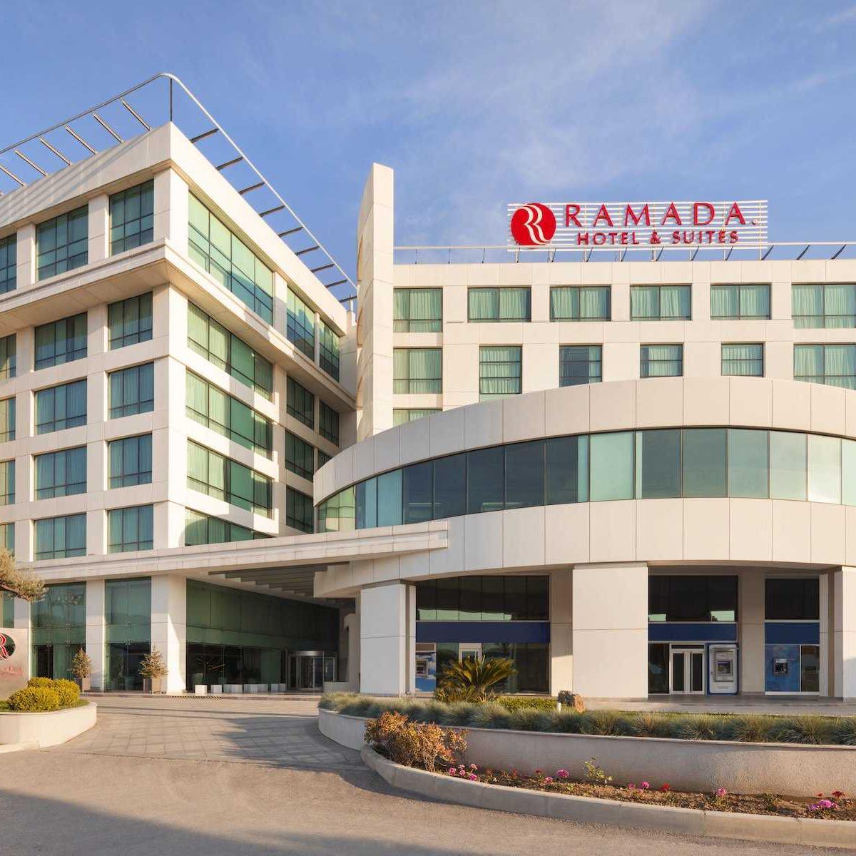 Ramada Hotel Suites Kemalpaşa Yılbaşı