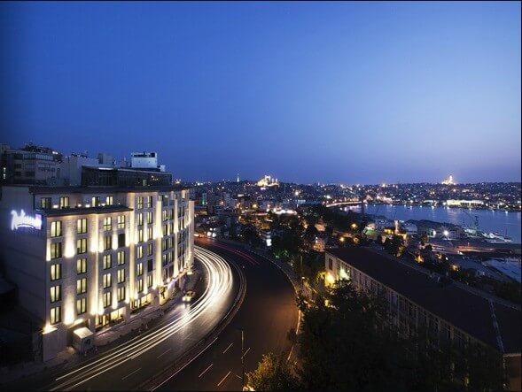 6. RADİSSON BLU HOTEL İSTANBUL PERA